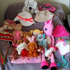 20 piece stuffies, hats & blankets GUC